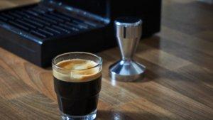 Tamper Ratgeber - Wie wichtig ist der Tamper für einen guten Espresso?