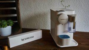 Der gesammte Lieferumfang der Nespresso Latissima One